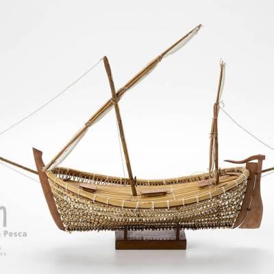 model d'embarcació de mitjana